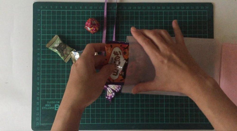 鬼滅-ハロウィン-お菓子を詰める